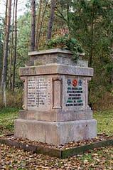 Schlangen-Kriegerdenkmal