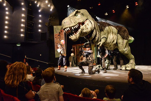 dinosaur world live in theatre