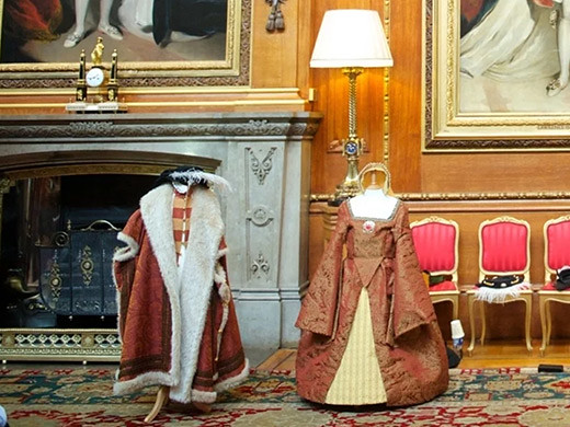 Tudor fashionable dresses and robes