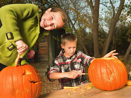 free halloween carving at lloyd park 2019