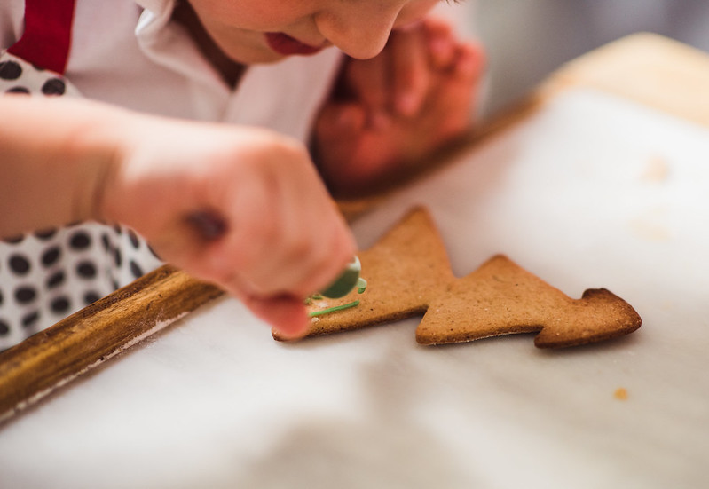 christmas cookie decorating workshop for kids