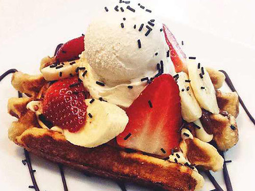 waffles popular breakfast spots in london for families