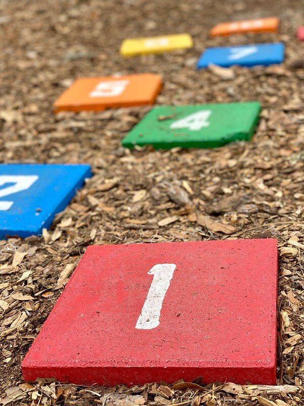 hopscotch garden games
