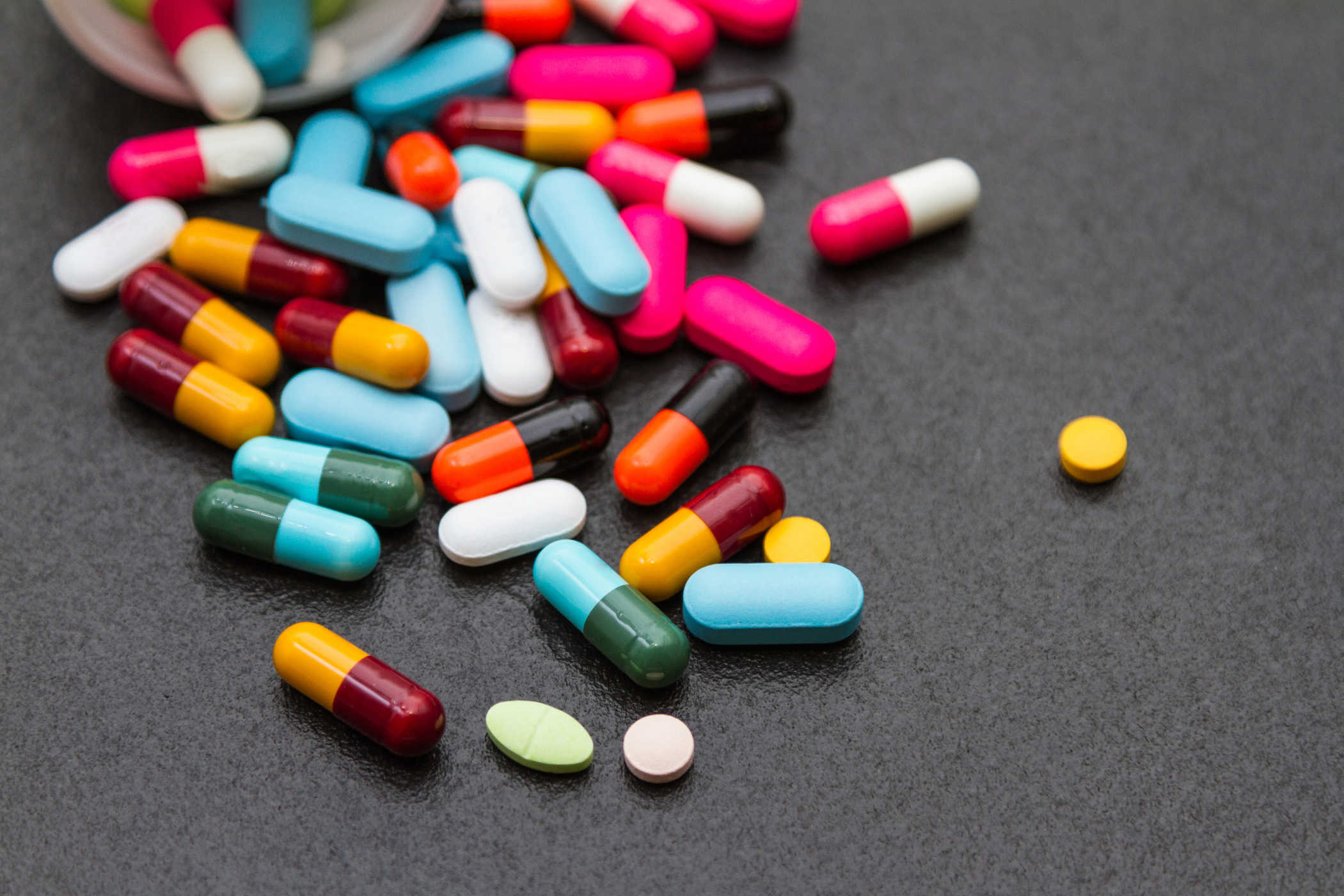 Cách trị đau rát vùng kín bằng thuốc kháng sinh