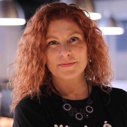 Emília Campos