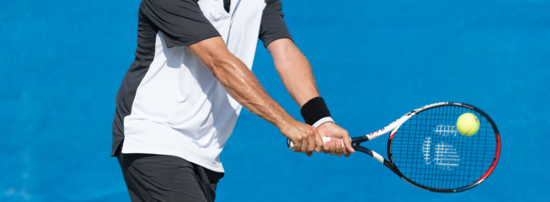 How to Choose Your Racket Sports Sportswear for Men