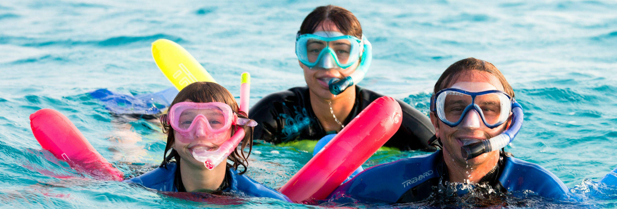 Right way of using a snorkeling mask and snorkel