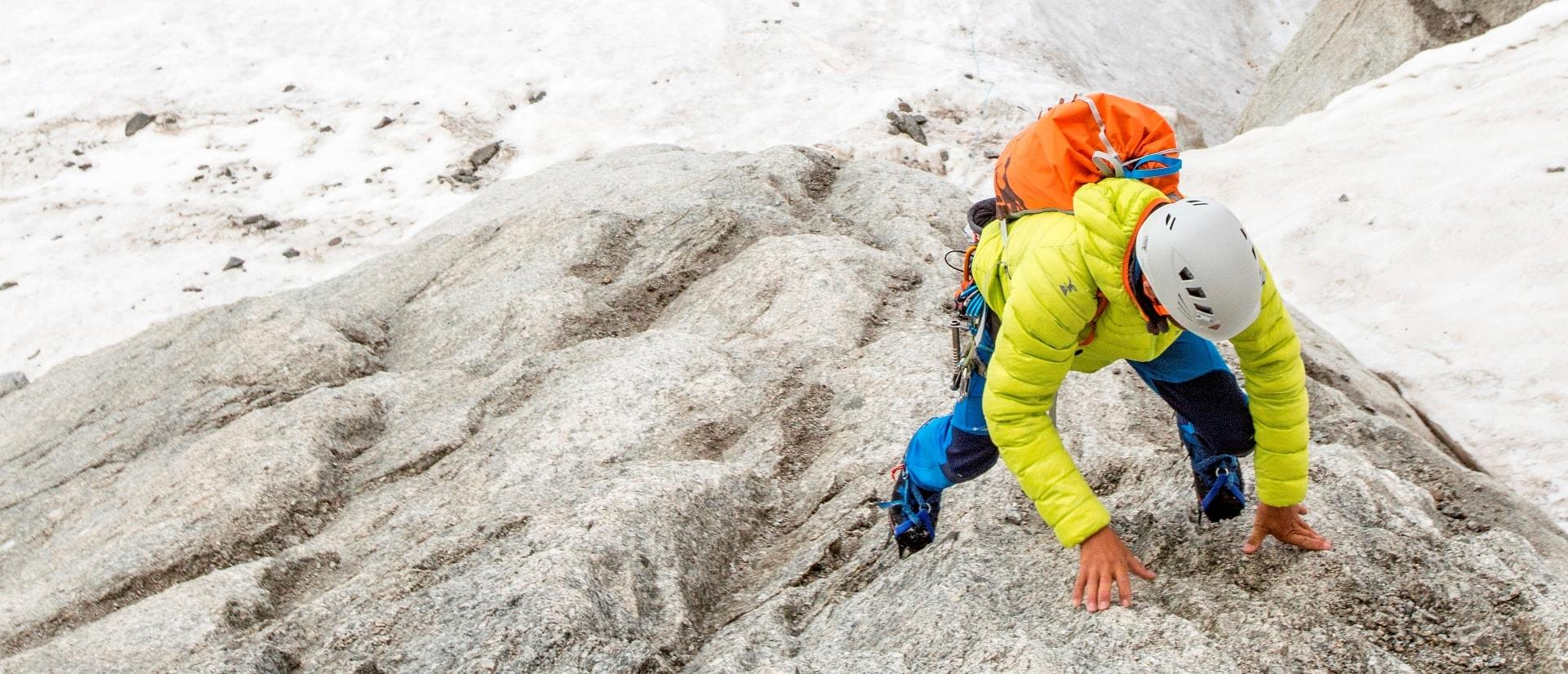 How to choose a climbing helmet?