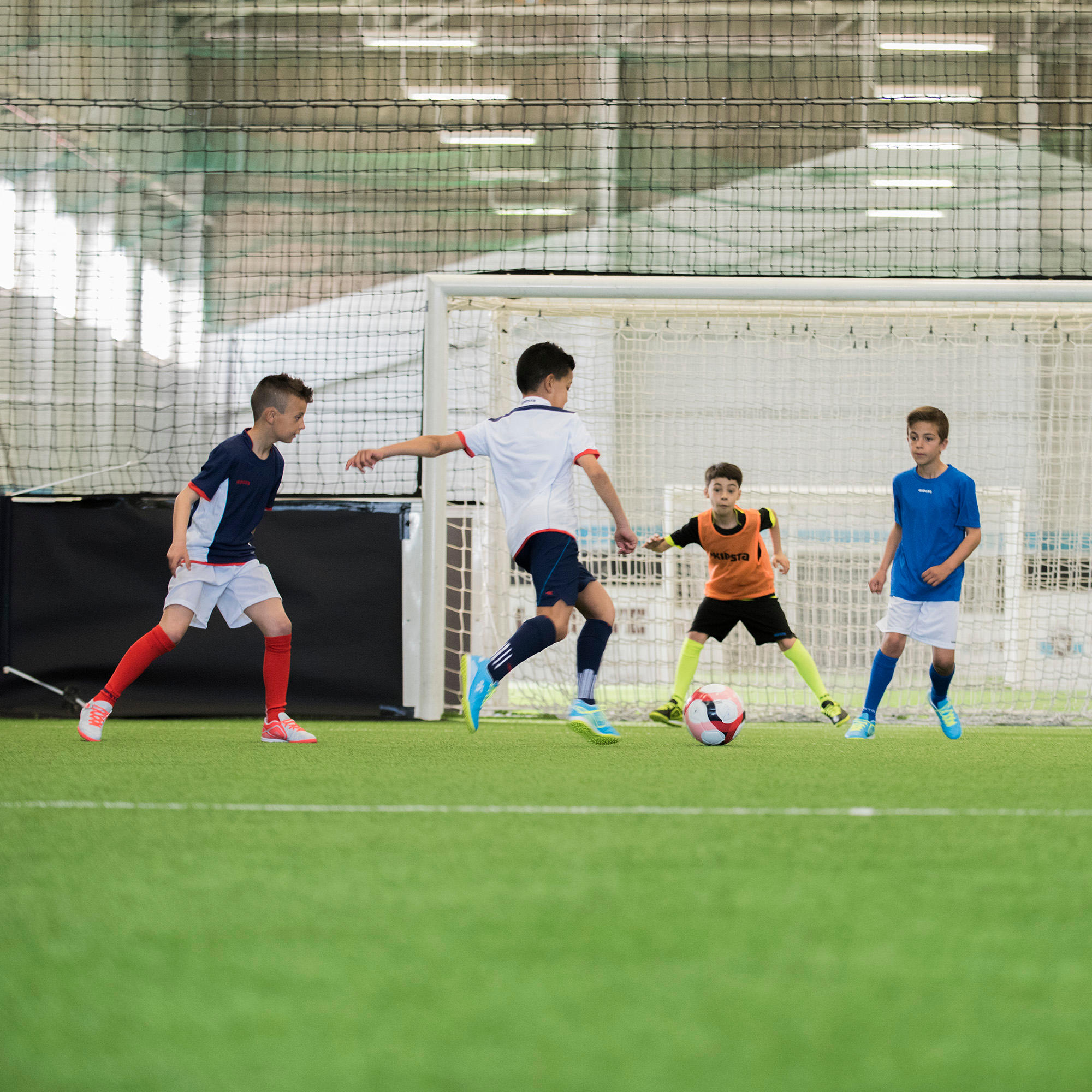 Learn How to Play Football in 9 Steps (With Videos) - Decathlon