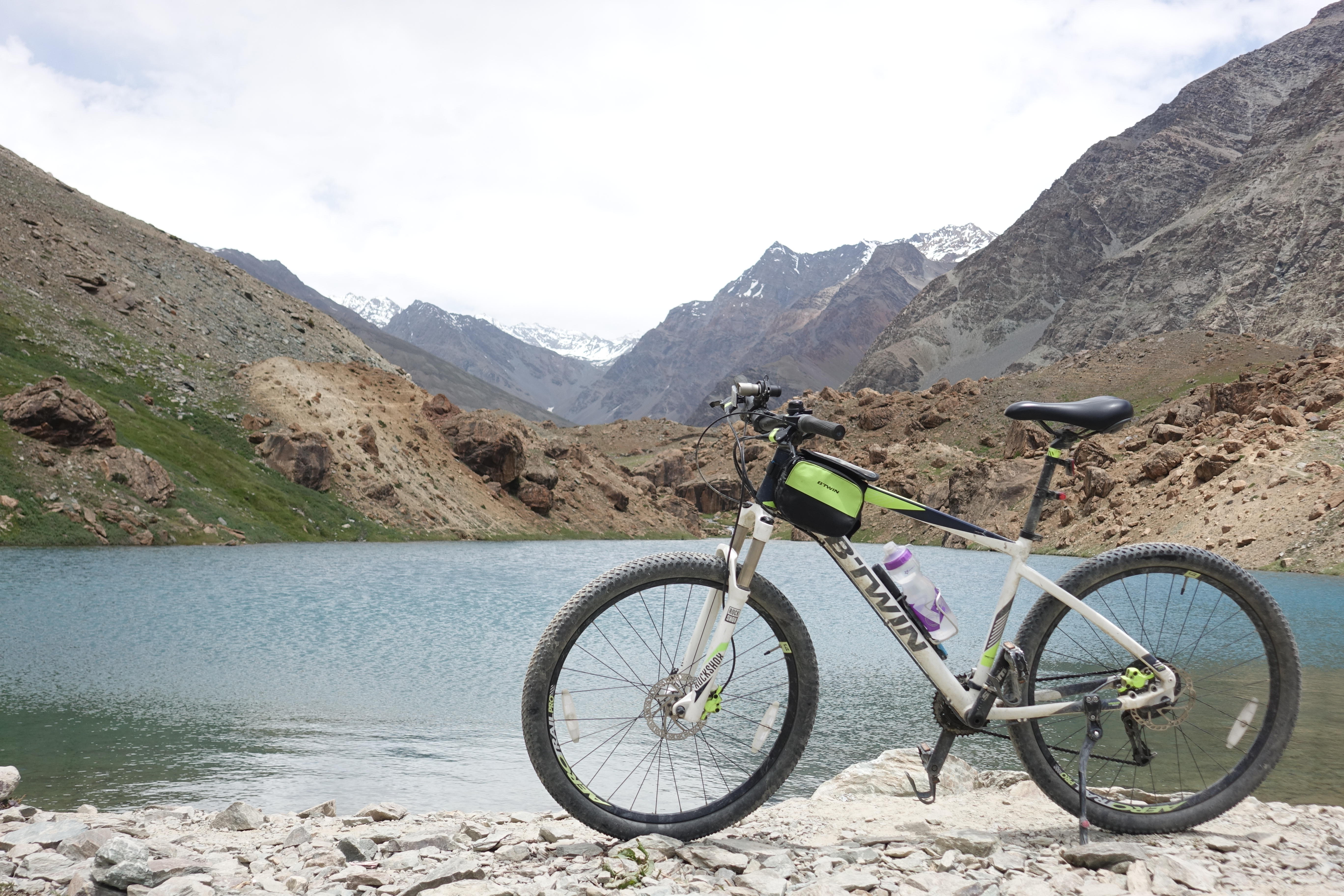 Manali to Leh Cycling Tour Itinerary and Experiences