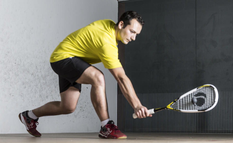 Squash racket strings for regular players