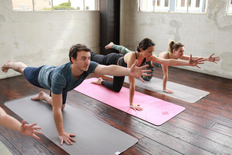 20 morning exercises that you can do at home  blog decathlon