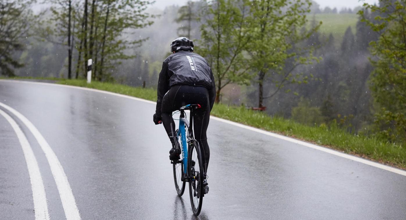 4 Tips For Riding A Bike In The Rain