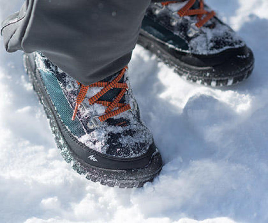 Choosing your snow hiking outfit using the Quechua advice by Decathlon