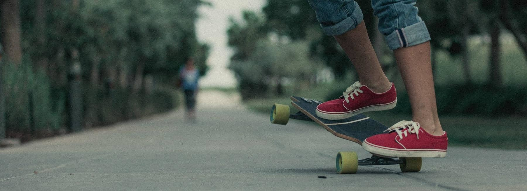 What to Choose: Longboard or Cruiser Skateboard (Expert's Guide)