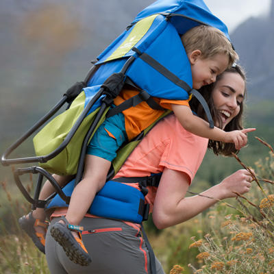 How to carry your child while hiking