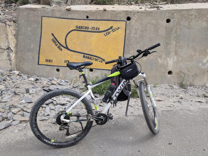 Manali to leh b twin cycling route