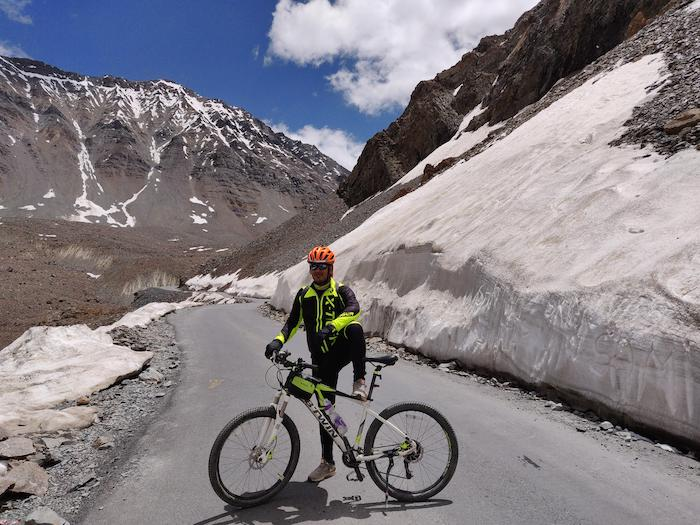 Snow cycling - b twin