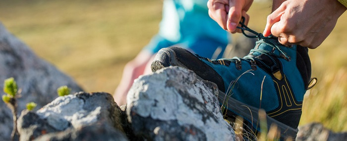 What is the right way to tighten and lace up your hiking shoes?