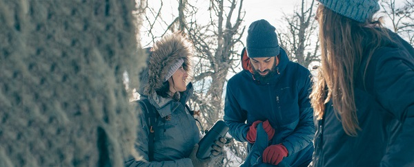 Stay warm and dry when hiking: the 3-layers technique