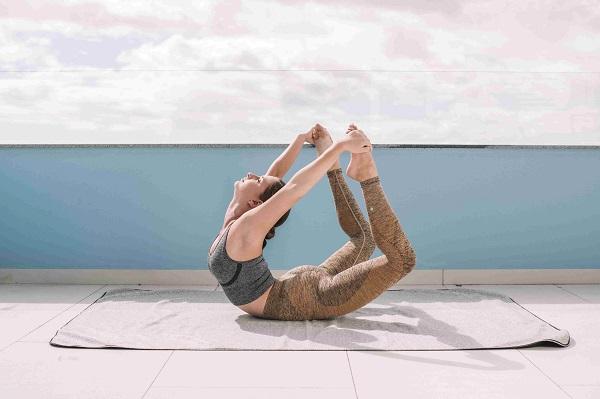 leg extension pose