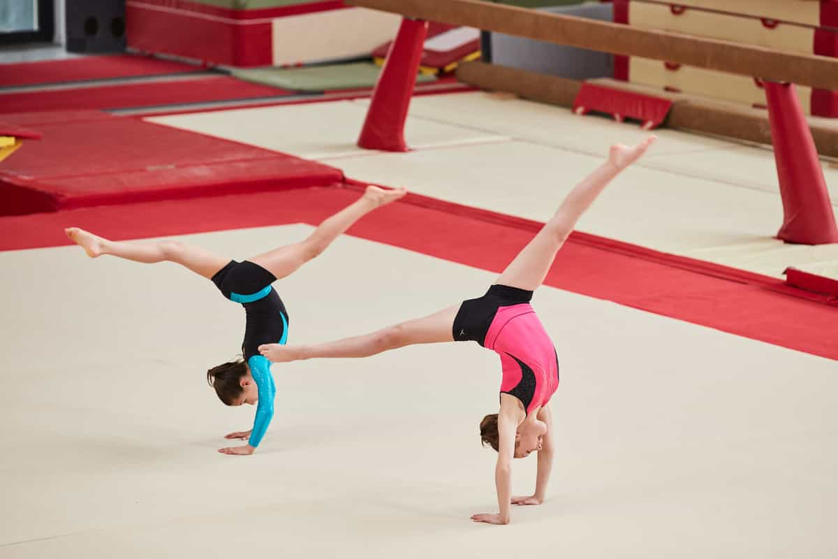 girls doing gymnastics