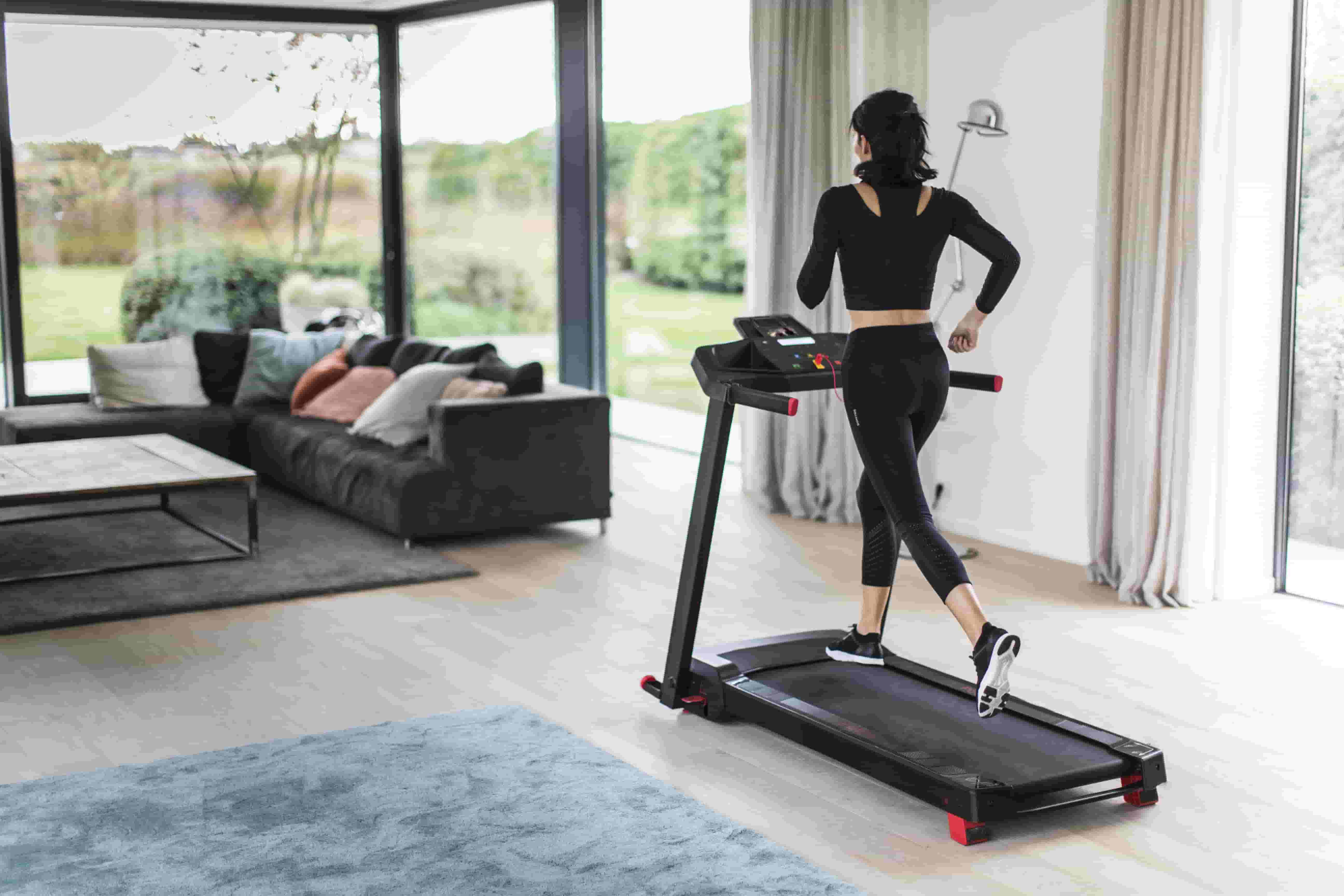 Top 15 Indoor Sports to Play at Home | Blog Decathlon