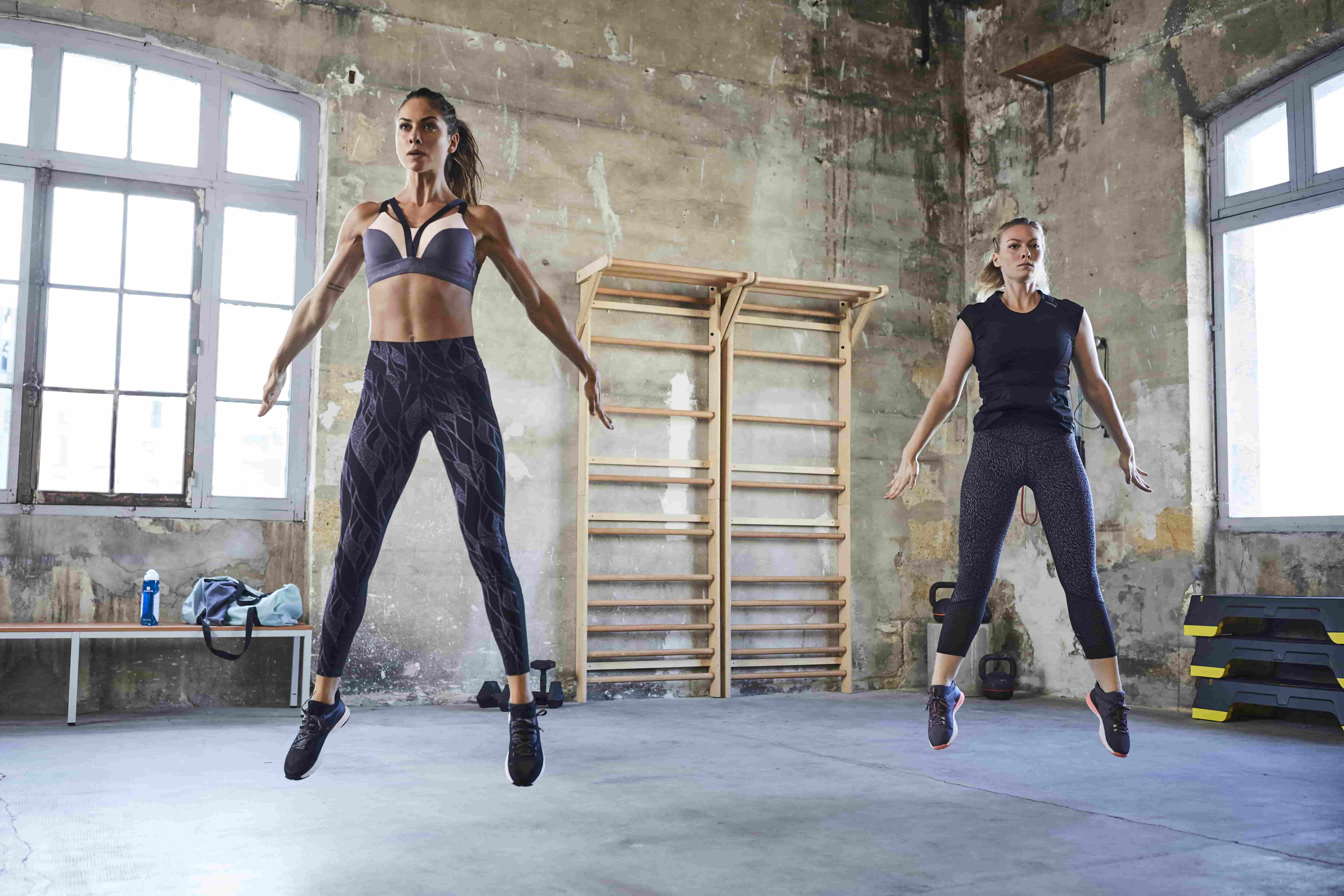 Jumping Jacks : How To Do And Its Benefits   Blog Decathlon