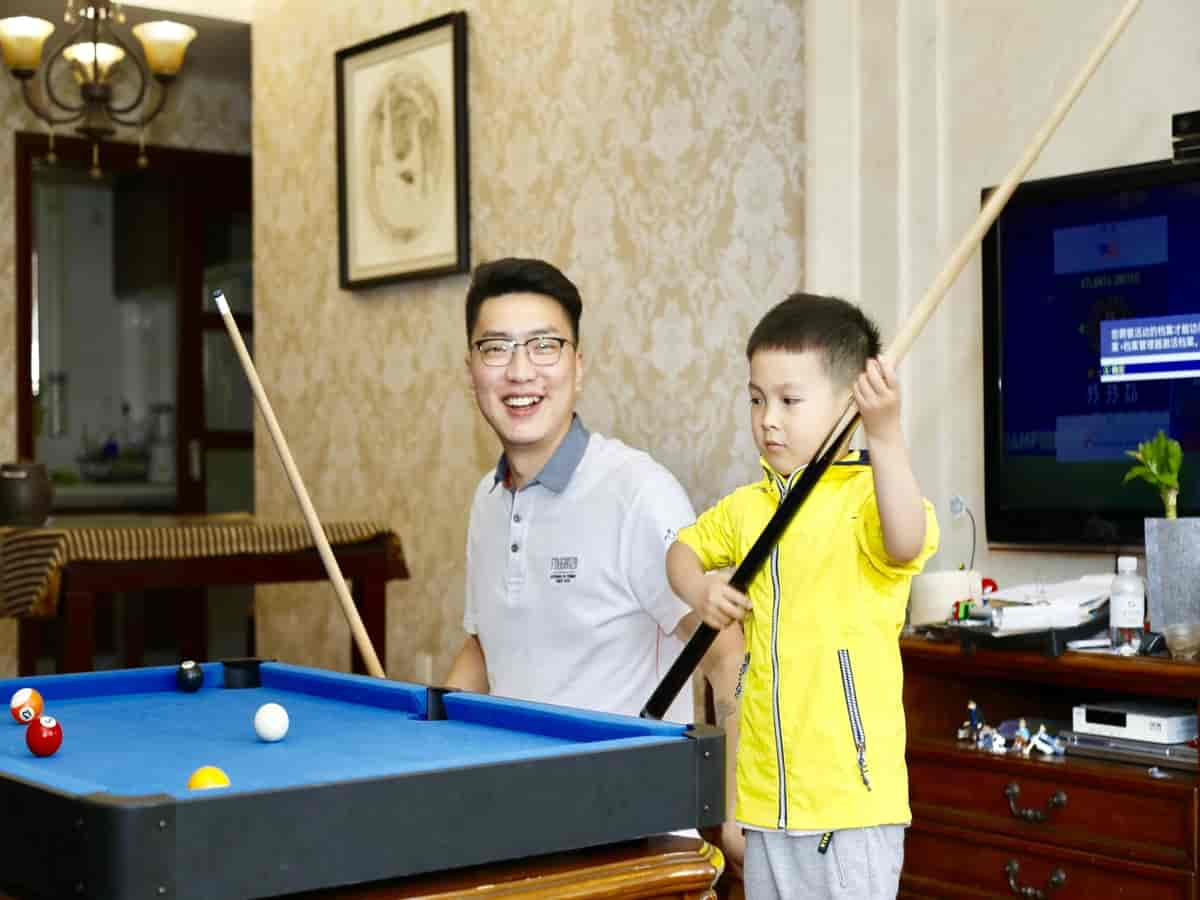 Playing Billiards With Kids: What Rules Should You Use?