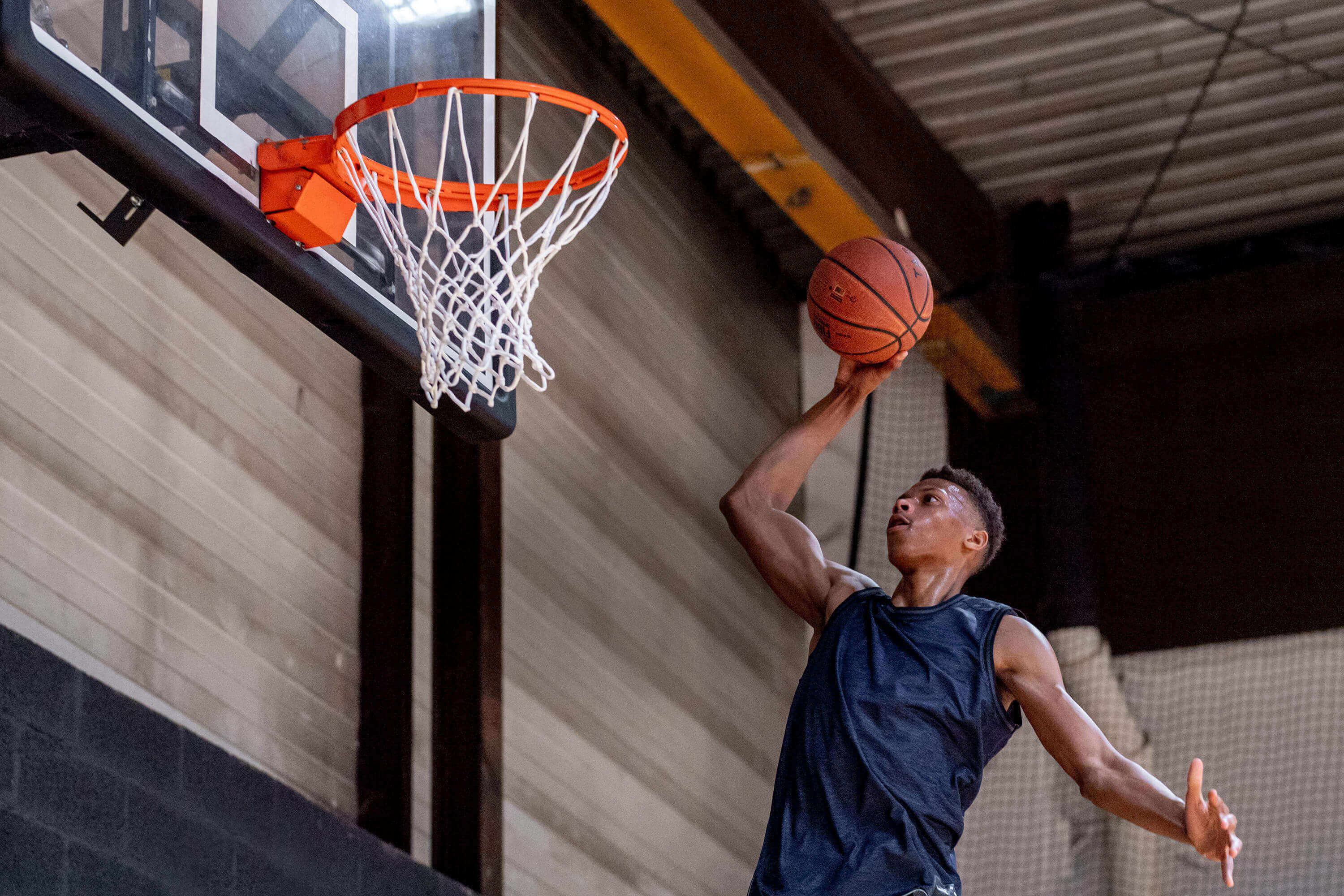 Basketball - 9 Exercises And Stretches To Help Increase Your Vertical Jump