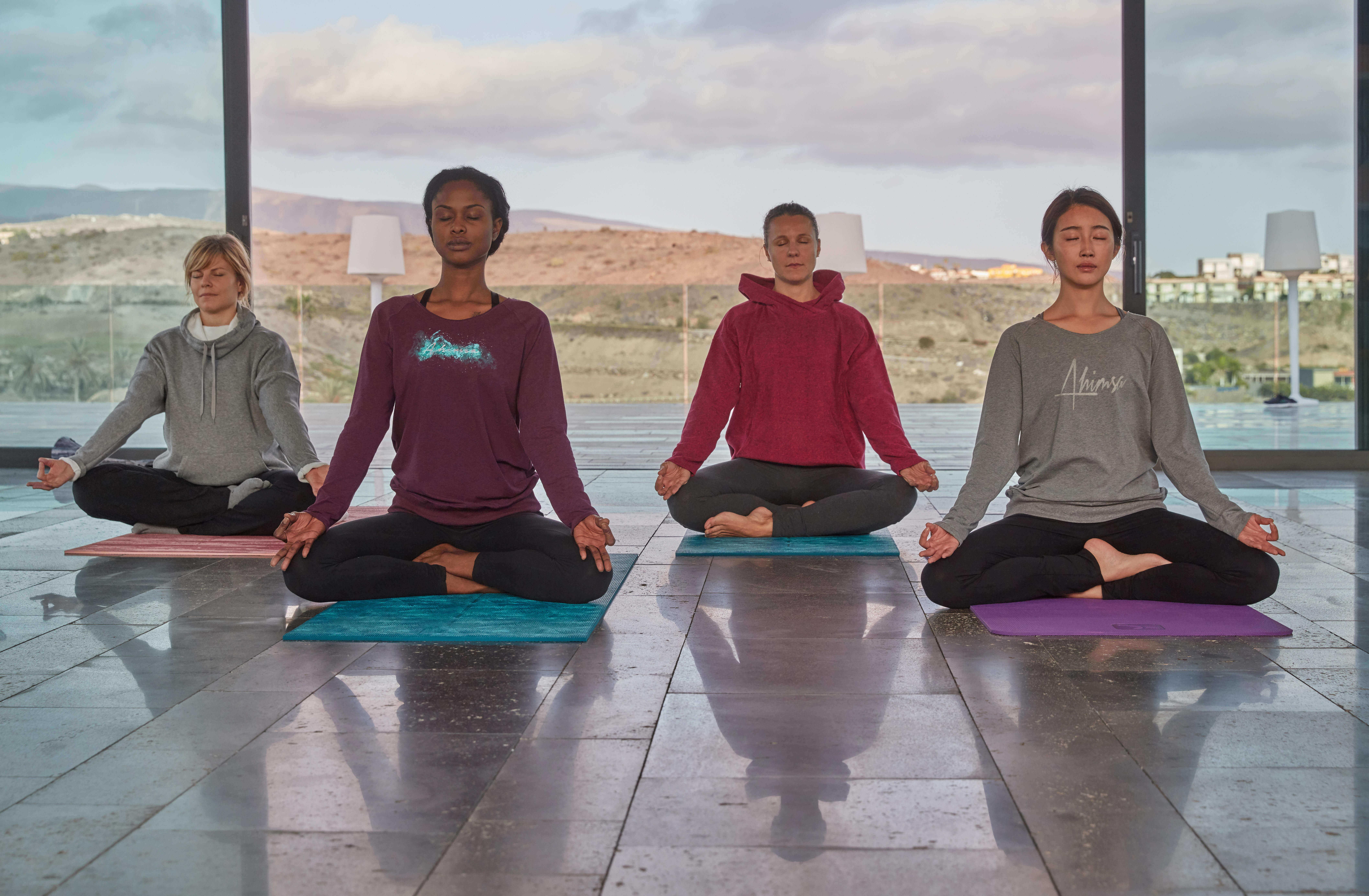 Padmasana Benefits | Padmasana Yoga and Its Benefits | Blog Decathlon