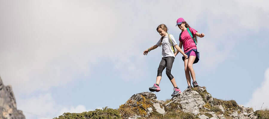 3 Activitiesyou can dowith YourWater Bottles When Hiking