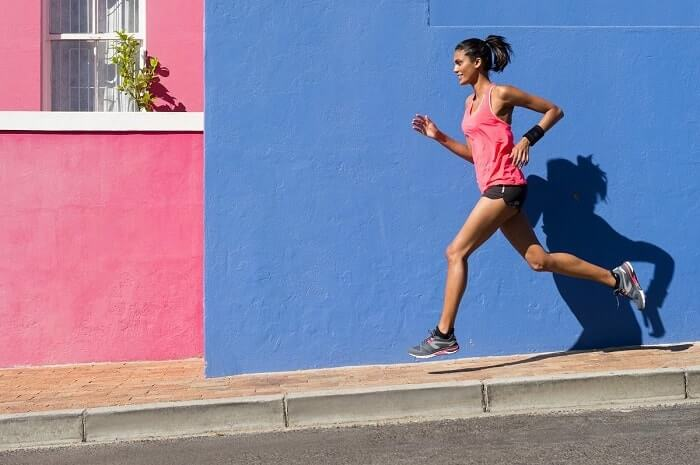 How to Choose a Perfect Running T-shirt (Buyer's Guide)