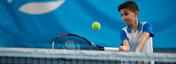 How To Choose The Best Tennis Racket For Kids (Buyer's Guide)