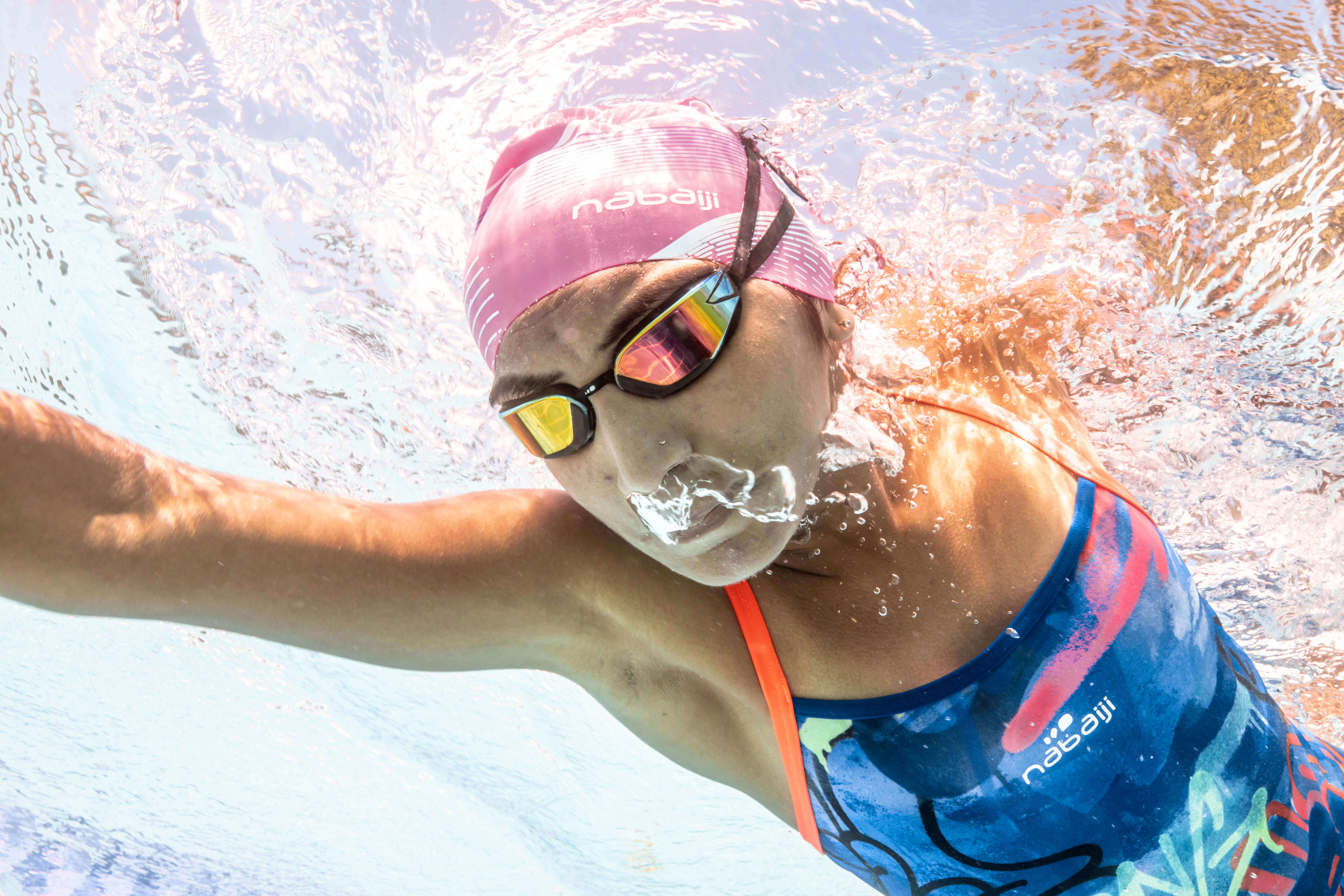 How To Dive Without Losing Your Swimming Goggles