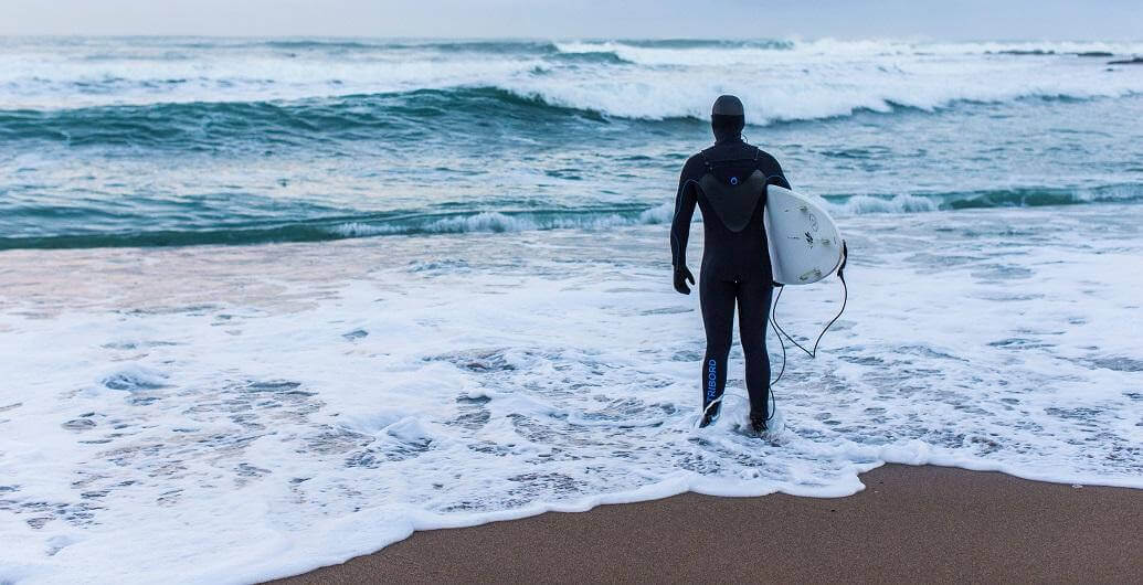 The Comprehensive Guide to Surfing for Beginners