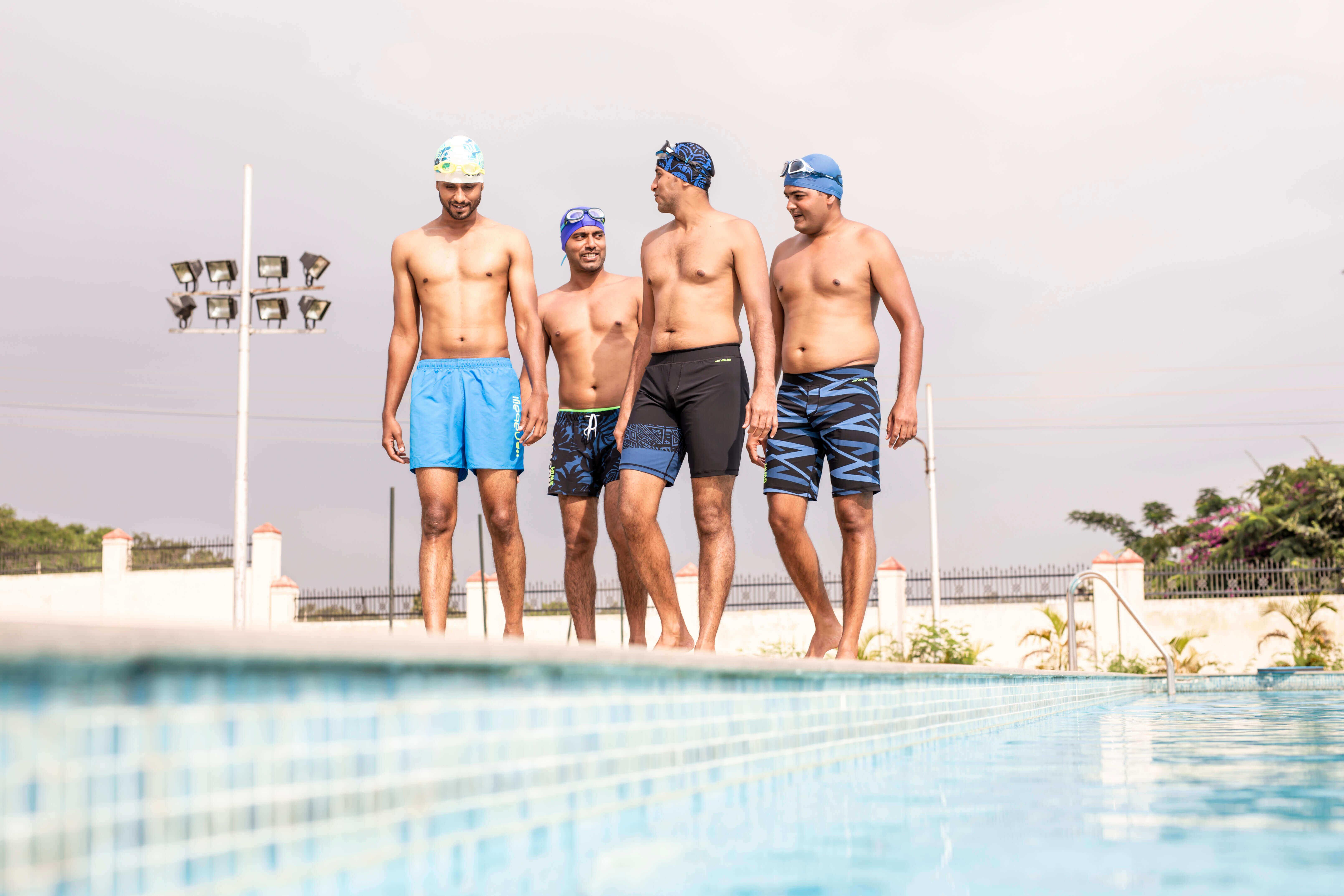 How To Choose Men's Swimwear