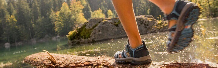How to Select Ventilated Sandals & Shoes for Hiking