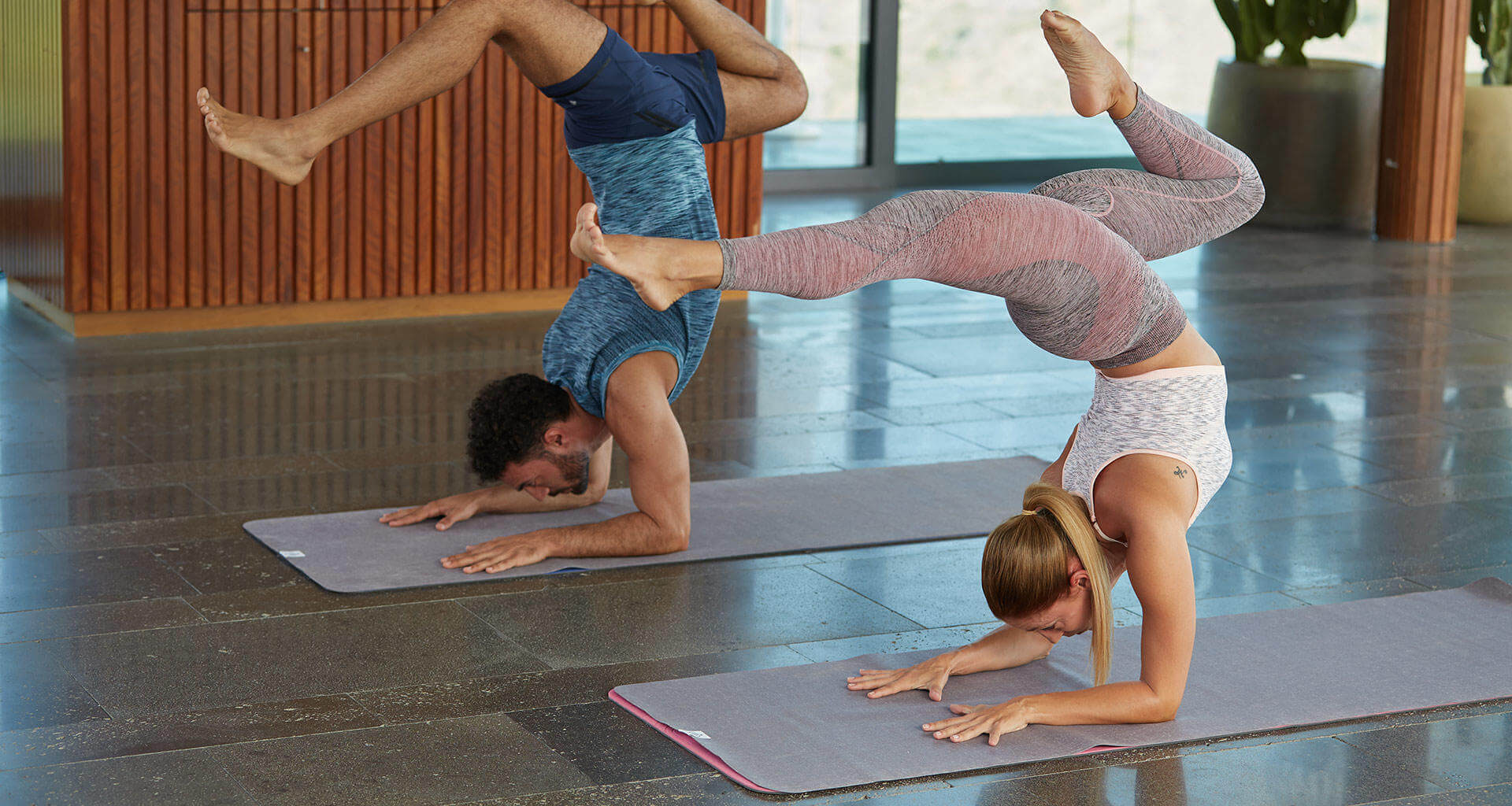 How to Choose Your Dynamic Yoga Outfit?