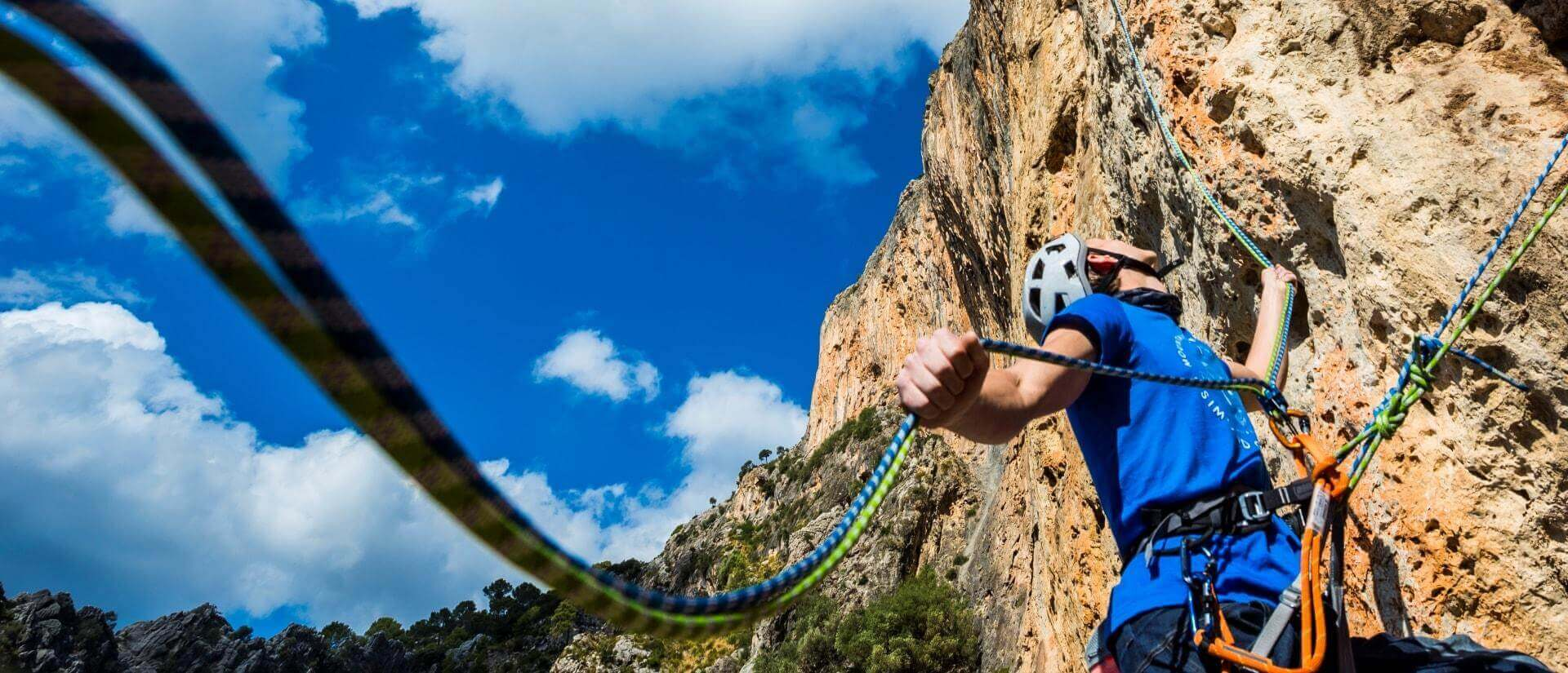 Best Tips To Choose A Climbing Rope