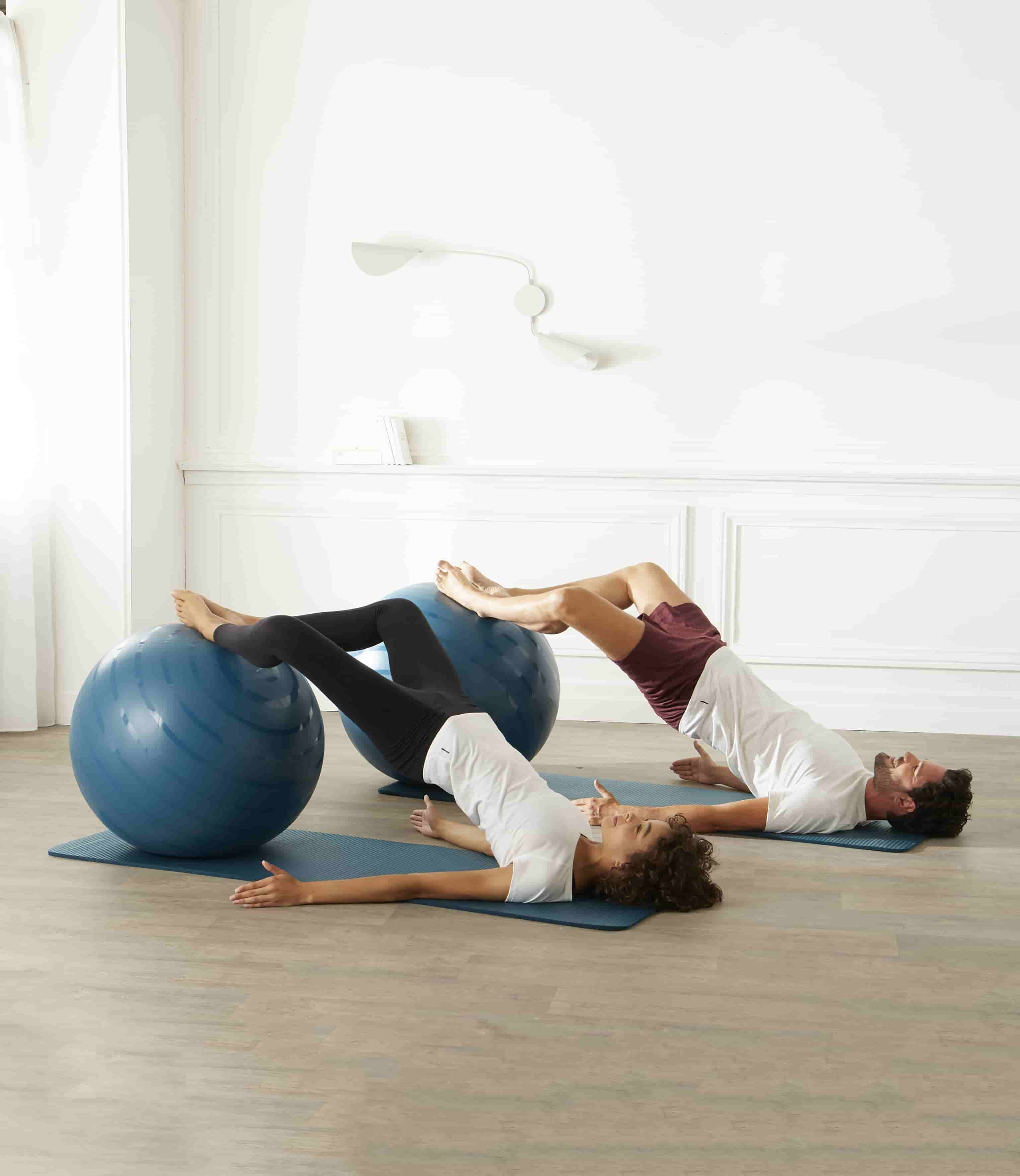 Using Cardio Equipment like Exercise Ball in Your Workout Routine