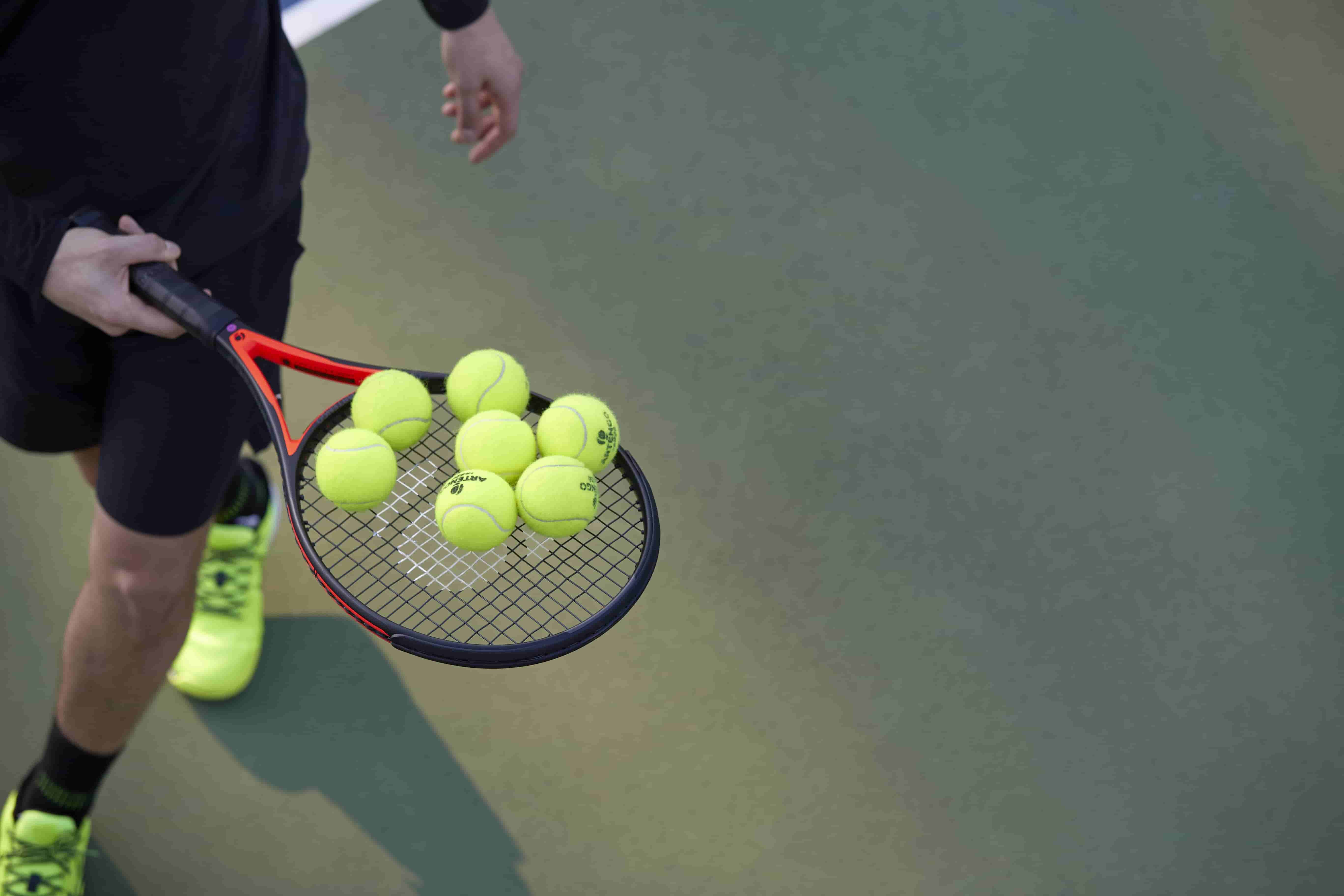 How to play tennis without a court?