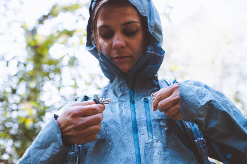 How to choose a waterproof jacket?