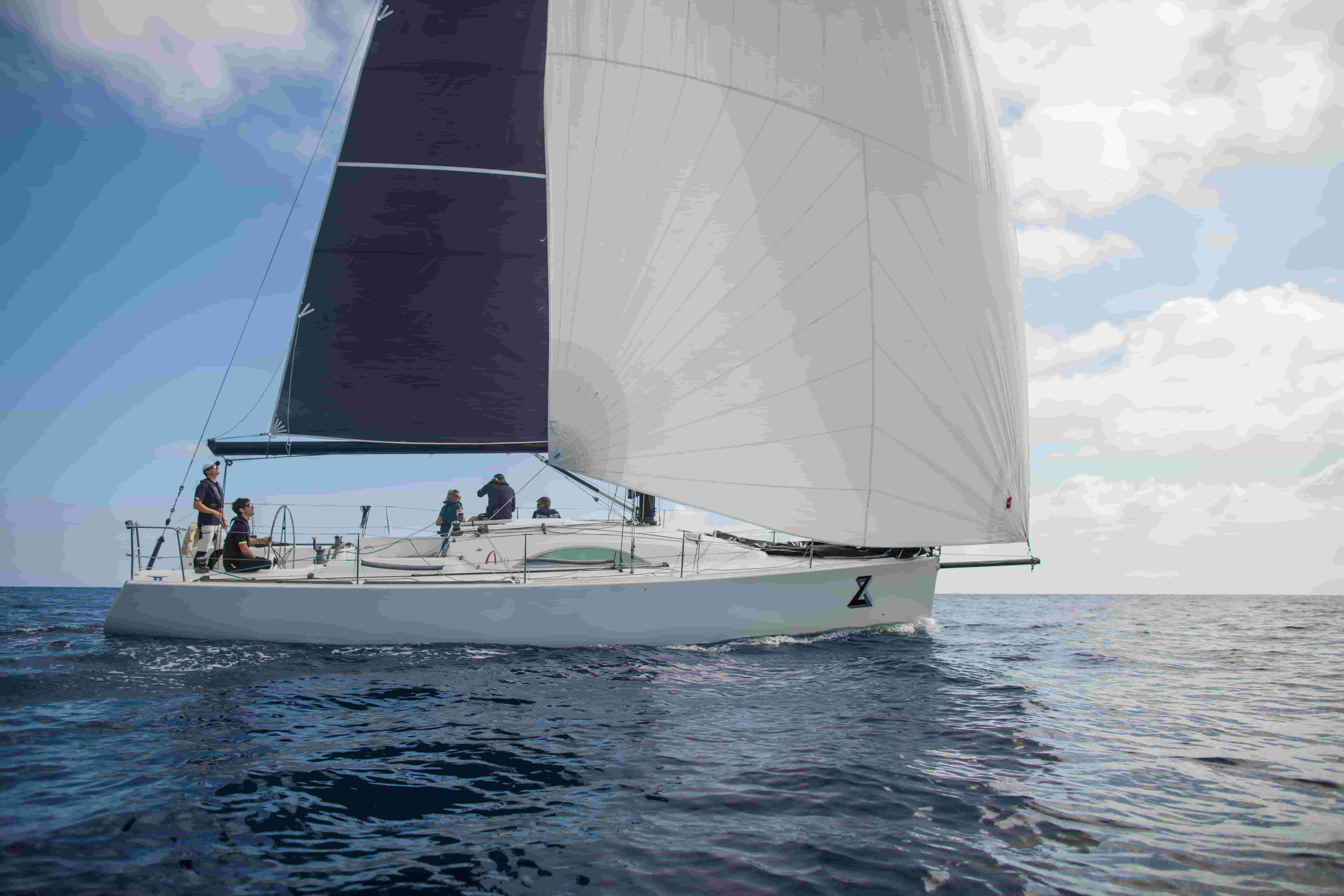 6 Beginner Sailing Tips