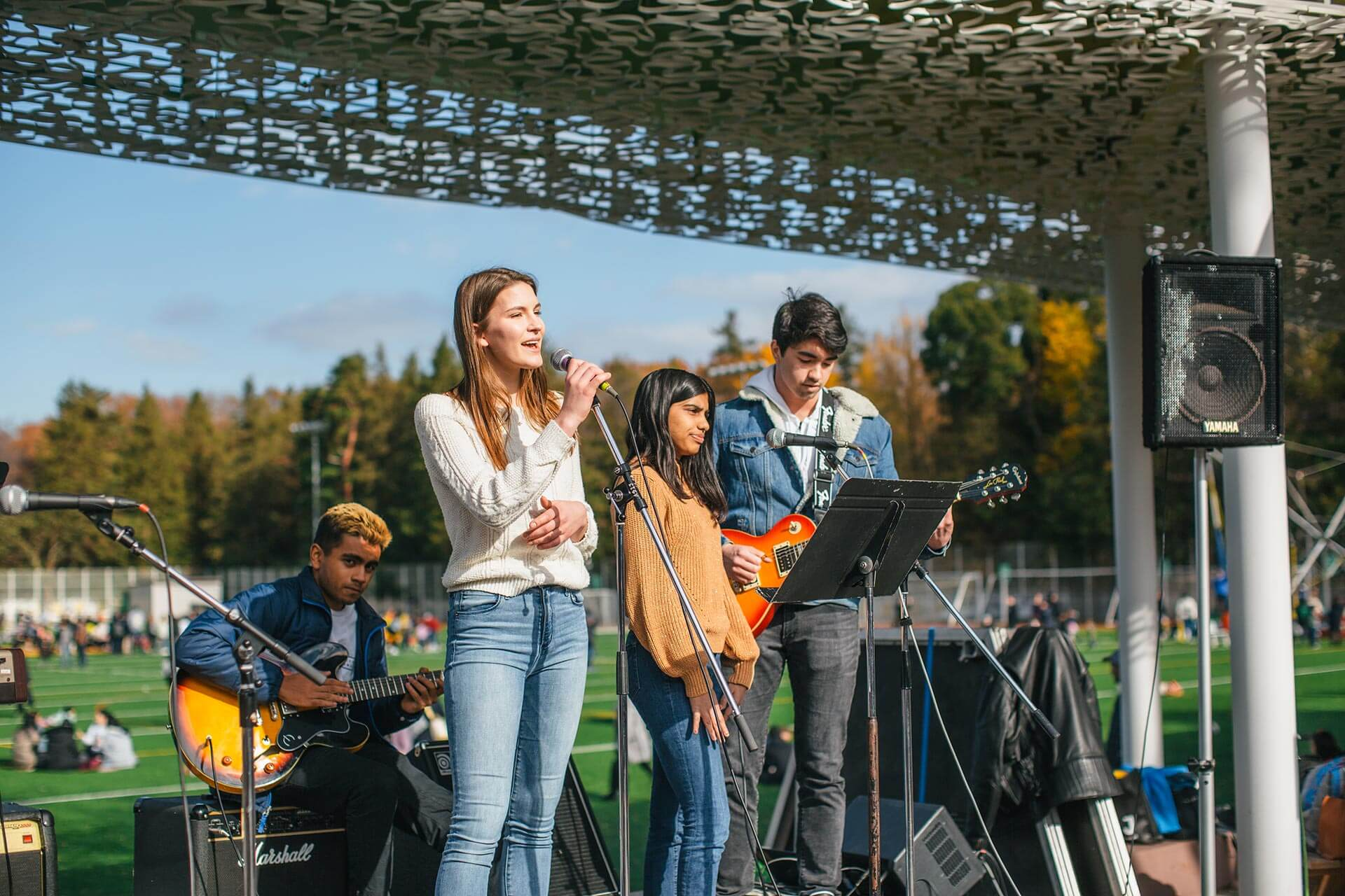 Students Perform in the Main Courtyard
