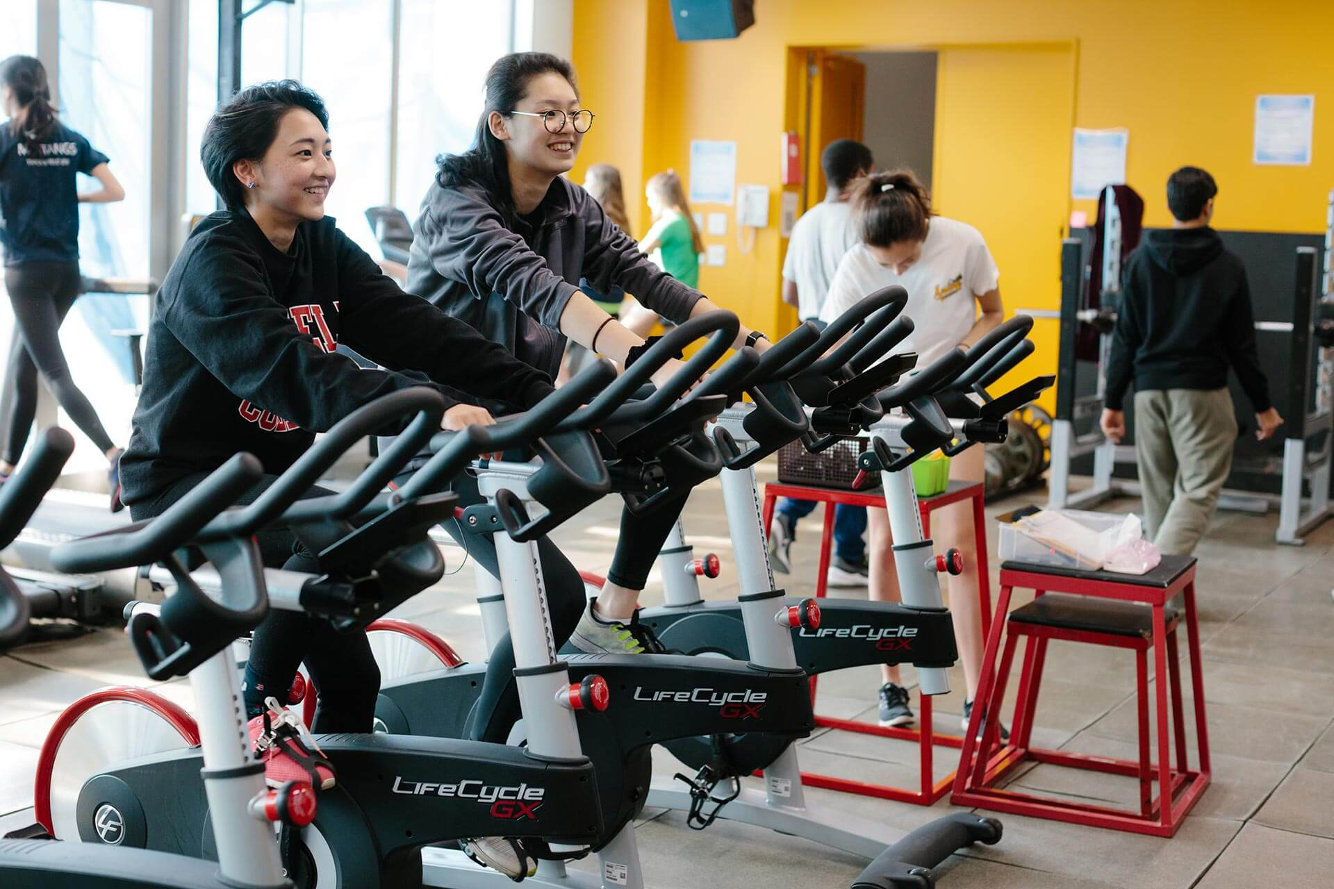 Students Work Out in the ASIJ Fitness Center