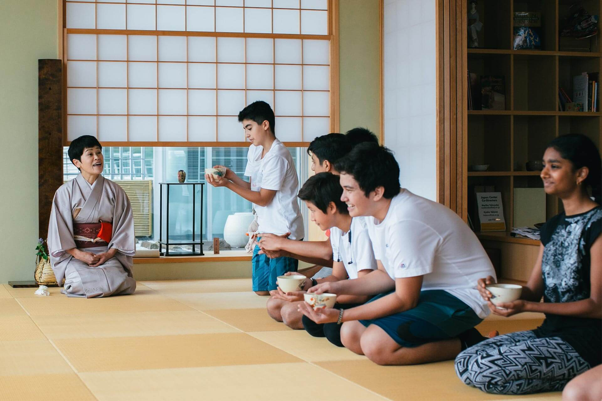 ASIJ Students Learn Tea Ceremony in the Japan Center