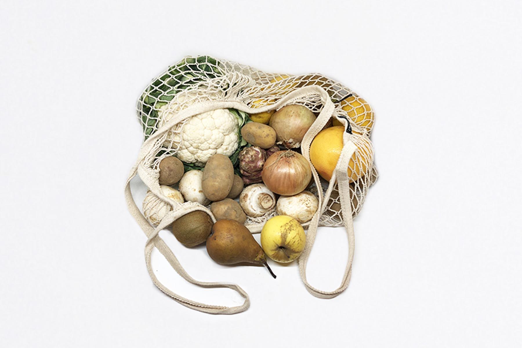 Moyen panier de fruits et légumes
