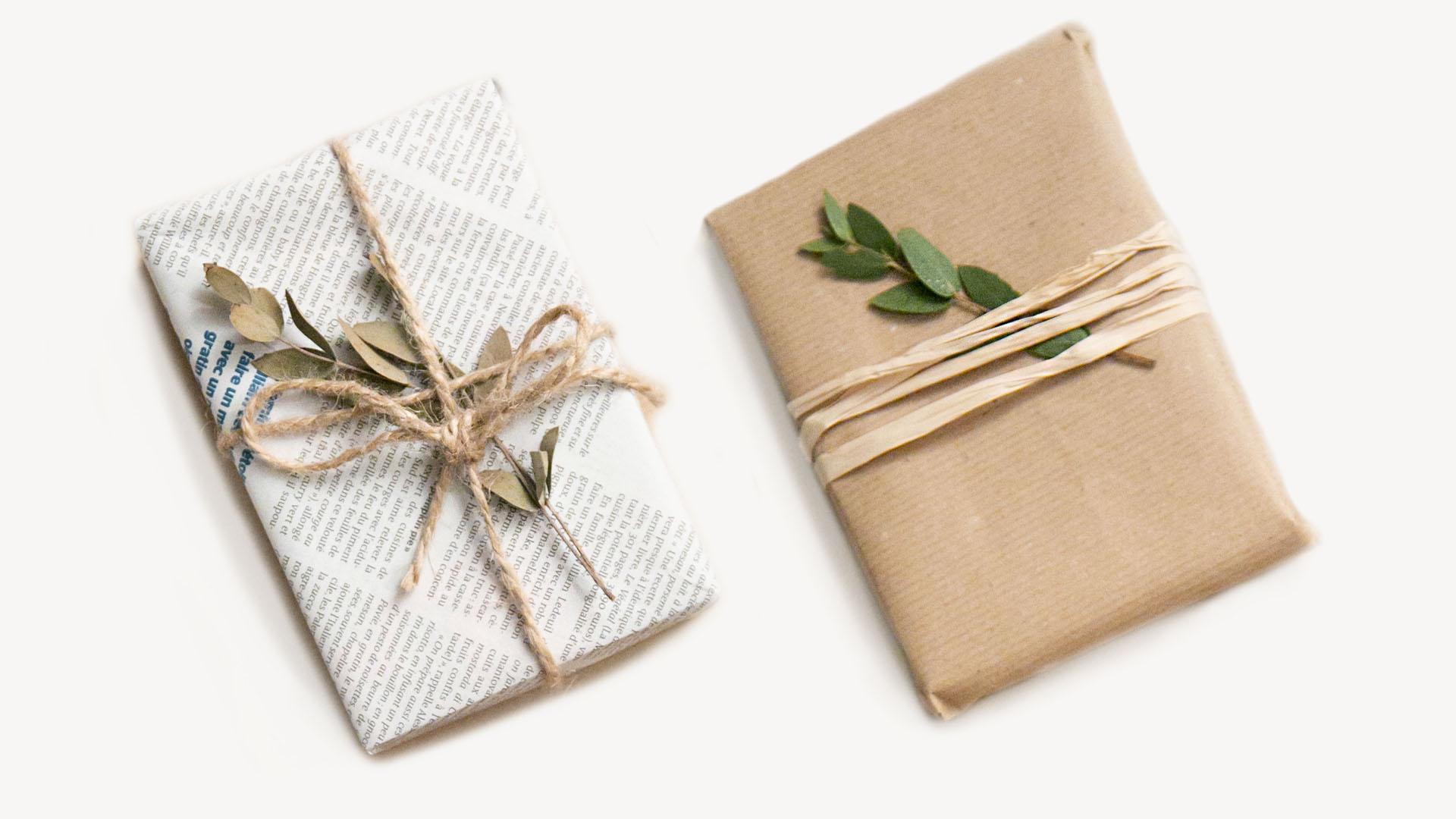 Emballage cadeau papier recyclé