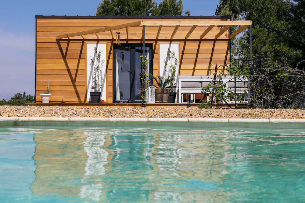 Tiny House with beautiful porch and pool